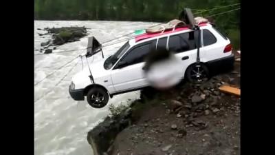 А машины тоже летают? Дороги Севера России на YouTube