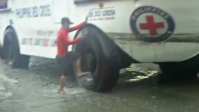 Red Cross Amphibian to the rescue. E Rodriguez near Araneta Ave.