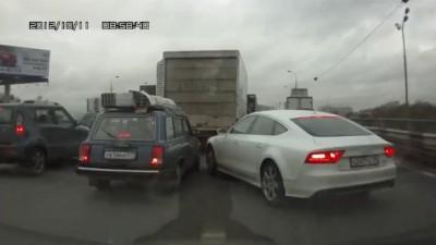 Хам на дороге - Два упёртых барана.