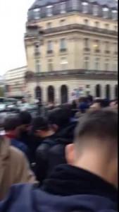 Продажа iPhone 5S в Париже с участием чеченской диаспоры