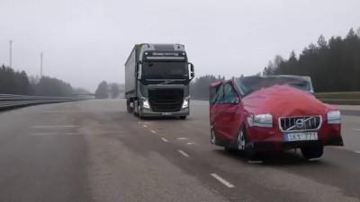Экстренное торможение Volvo