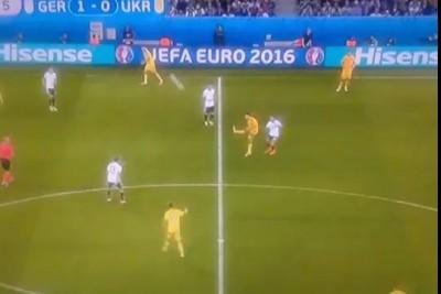 Йоахим Лёв отжигает на матче Германия - Украина.