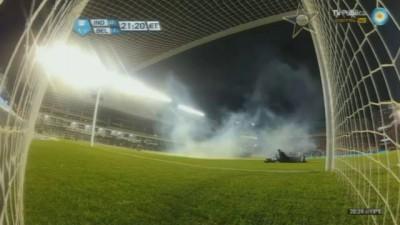 Agresión a Olave (Independiente - Belgrano 2012)