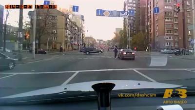 #АвтоРегик: Выдержки этому водителю не занимать