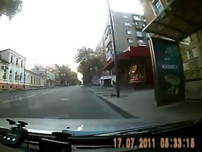 Инспектор ГАИ Харькова убежал от Дорожного Контроля