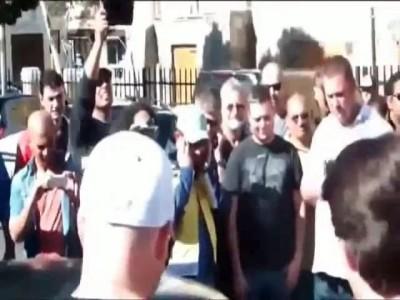 стартанул в толпе