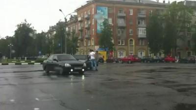 Не поделили дорогу в Жуковском (16 июня 2012).avi