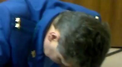 Пьяный руководитель из СКР Тольятти Паникар жжет