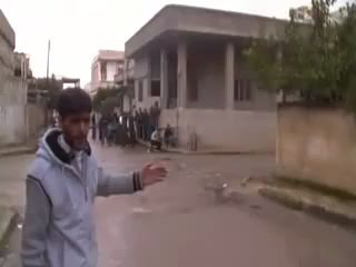 Перестрелка между повстанцами и сирийской армии в г. Растан  Сирия