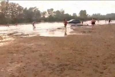 Беспредел на пляже Павлодара