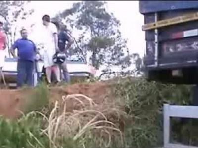 Погиб в автоаварии столкнувшись с грузовиком ...