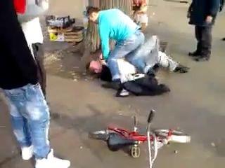Украл у ребенка велосипед. Отец вовремя отреагировал