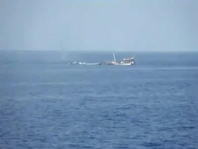 Моряки якобы расстреляли лодки сомалийских пиратов