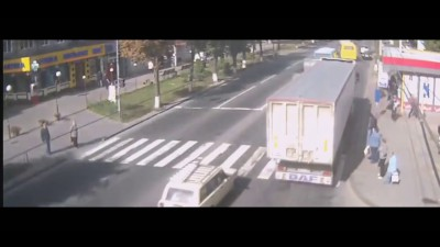 Смертельное ДТП.Женщина попала под грузовик.