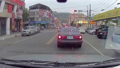 Скучаете на светофоре?