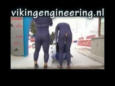 Лопнувшие штаны спортсменки