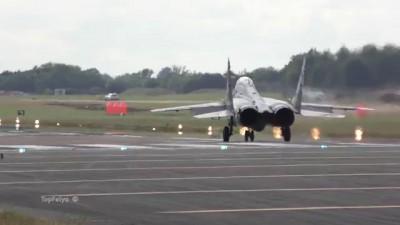 Spectacular Vertical Takeoff MiG-29   МиГ-29 Вертикальный взлёт