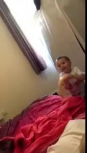 Мальчик играет с с фаллоимитатором его мамы!