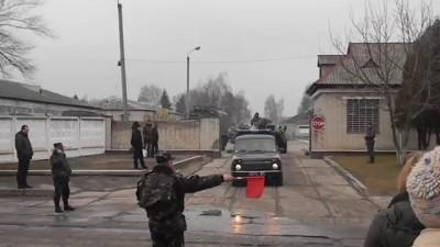 8/03/2014. 12:00. Вихід колони десантників з в/ч у Львові