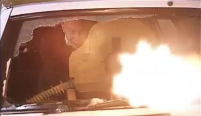 Брат2. Стрельба из пулемёта Максим.