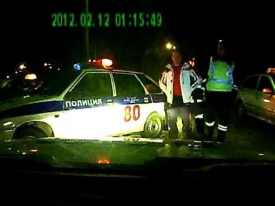 Пьяный МИЛЛИОНЕР воспитывает сотрудников полиции