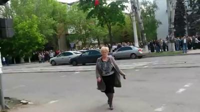 Мариуполь - люди идут на референдум,очереди ! 11.05.2014