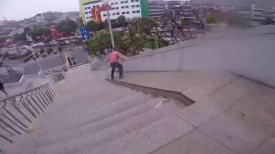 Скольжение вниз по лестнице