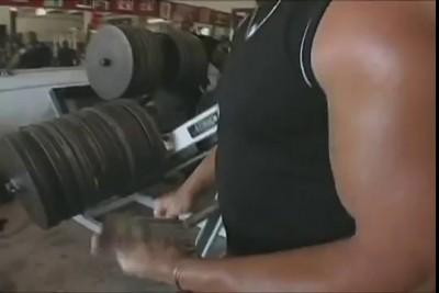 Ронни Колеман - жим ногами 1044 кг