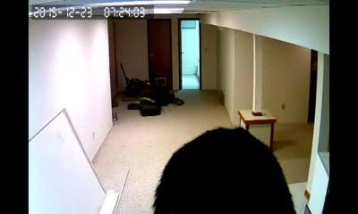 Китайские инженеры устанавливают камеру1