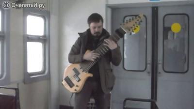 Импровизации на самодельной гитаре