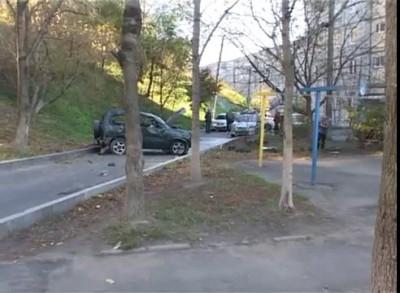 Эскудо упал с обрыва во Владивостоке