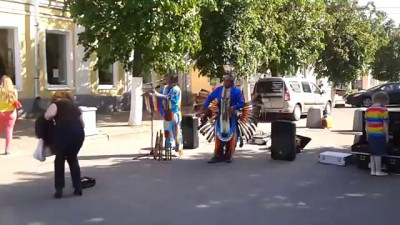 Индейцы в городе Гатчина