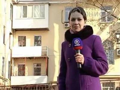 Янукович вводит налог на застекленный балкон.
