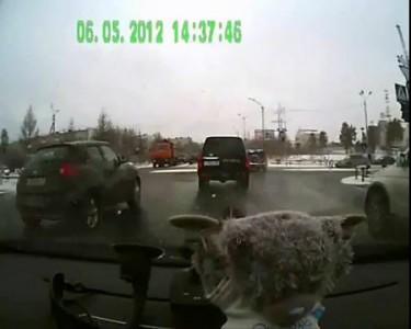 ДТП Ноябрьск 06.05.2012 наезд на пешеходов.wmv