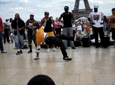 Eiffel Tower and the African dancing
