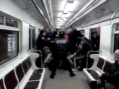 Драка в киевском метро