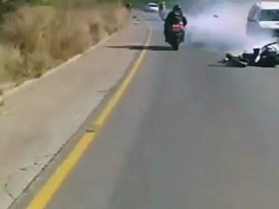 Очень везучий мотоциклист
