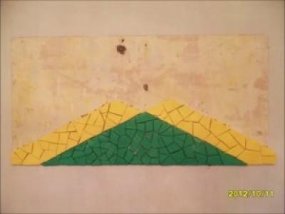 Ямайский флаг. Декоративная мозаика своими руками