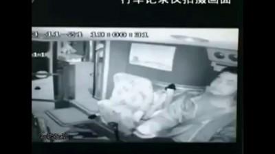 Водитель автобуса убил пешехода играя в смарфоне .