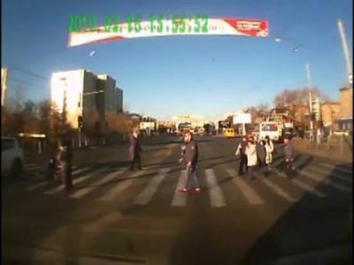 Женщина сбила пешехода