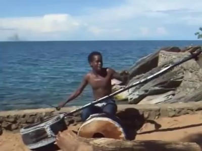 Африканский музыкант - Cool African Musician