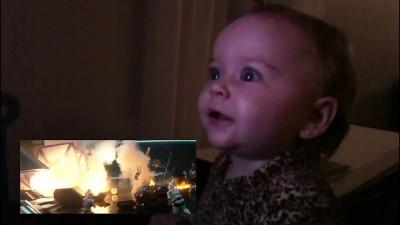 """Реакция малыша на трейлер """"StarWars"""""""