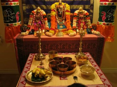 "Shastriya Bhajan/Kirtan on Sri Krishna - ""Chalo Man Ganga Jamuna Teer"" (Meera Bai)"