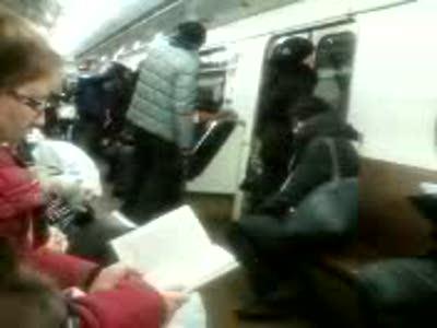 В метро как штырит