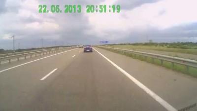 Грубейшие нарушения ПДД на трассе М4-Дон водителем авто В001КТ61RUS