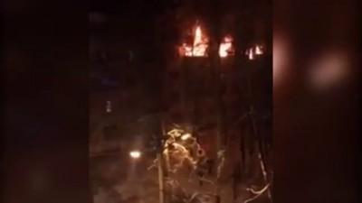 Крупный пожар в жилом доме тушат в Воронеже