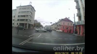 Минск: от удара с внедорожником Fiat раскрутило