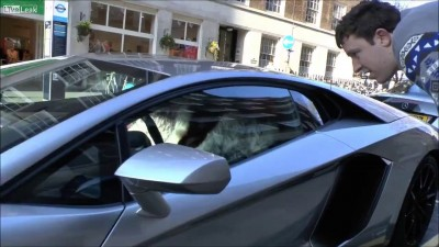 Араб и его игрушка  Lamborghini Aventador