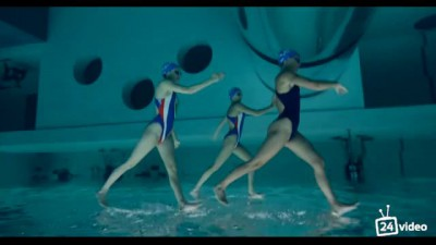 Невероятный подводный танец