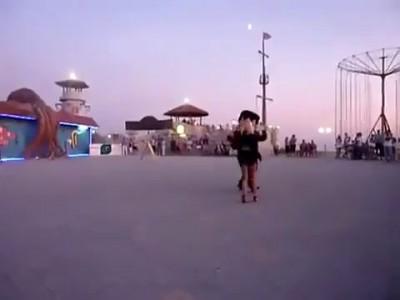 Азиаты и кавказцы пристают к русским девушкам